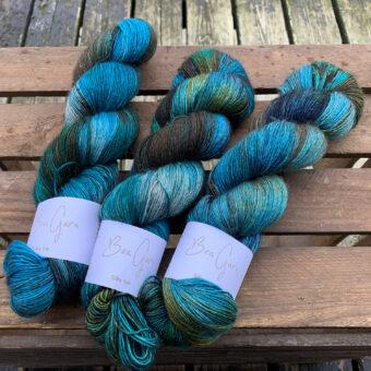 håndfarvet yak silk merino-garn